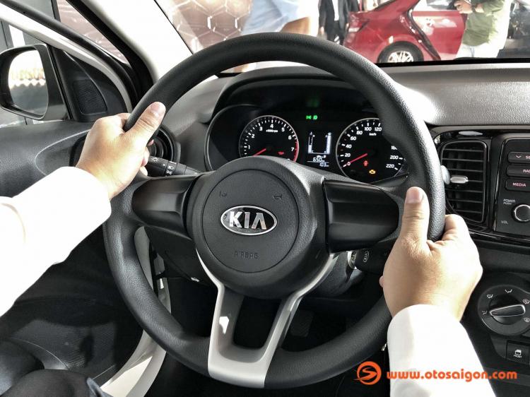 [THSS] Chênh nhau 27 triệu, chọn Hyundai Accent MT hay Kia Soluto MT?