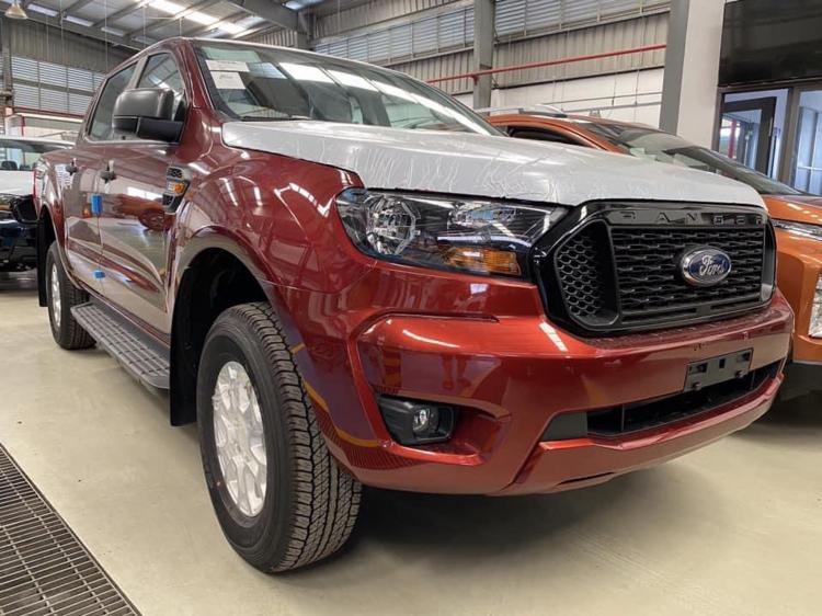 Ford Ranger Wildtrak và XLS 2021 về đại lý tại Việt Nam, sẵn sàng ra mắt