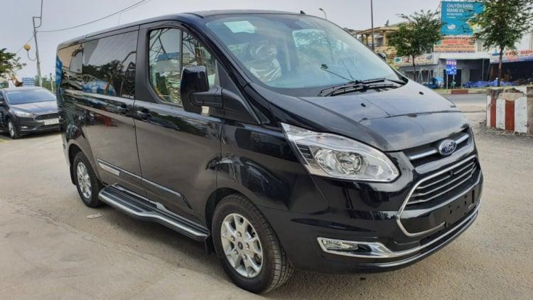Có nên mua Ford Tourneo Limousine bây giờ hay đợi Kia Sedona 2021?