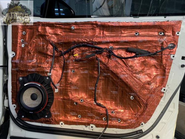 Subaru Forester lên hệ thống âm thanh cực chất của Focal - Pháp