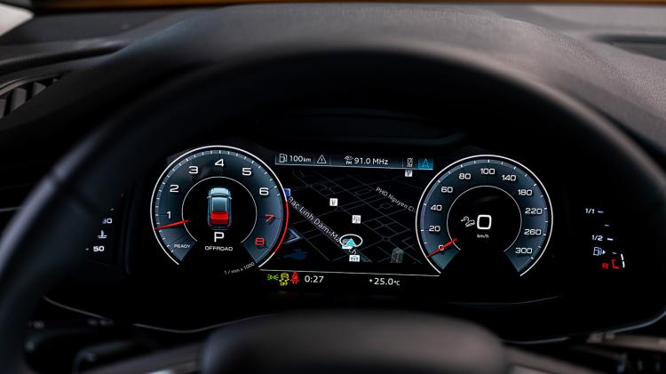 Ca sĩ Lệ Quyên là một trong những khách hàng đầu tiên sở hữu Audi Q8 chính hãng tại Việt Nam