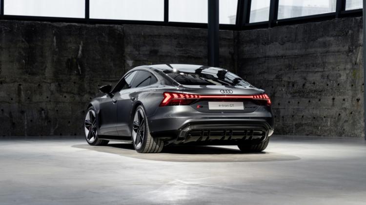 2022-Audi-e-tron-GT-28.jpg
