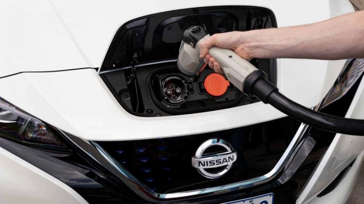 Chuẩn đầu sạc CHAdeMO trên Nissan Leaf